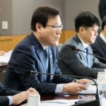 South Korean Financial Overseer Who Banned ICOs Abruptly Quits